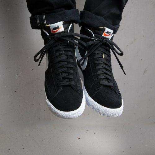 nike-blazer-mid-top-premium-black-white-429988-006-mood-2