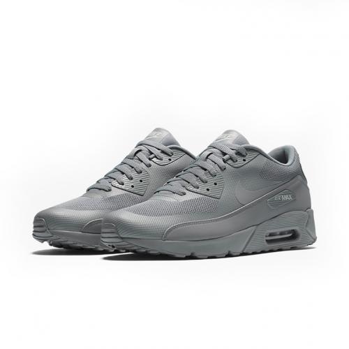 HOODSHOP-875695-003-AIR-MAX-90-ULTRA-2.0-ESSENTIAL-commune-sneakers-highsnobiety