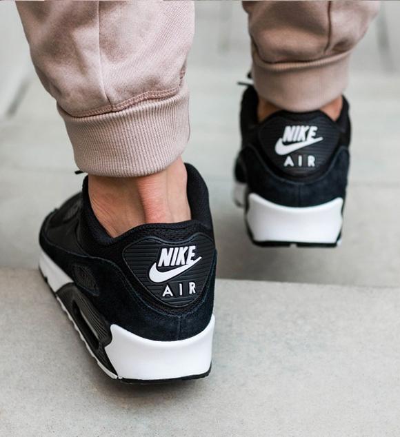 Nike Air Max 90 Essential 537384 077