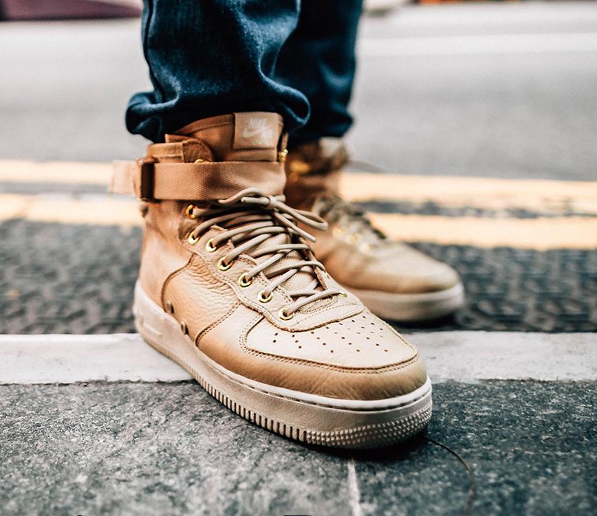 https://hoodshop.eu/wp-content/uploads/2017/11/917753-200-SF-AF1-MID-sneakers-beige-look.jpg