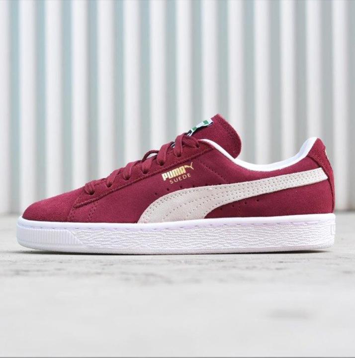 https://hoodshop.eu/wp-content/uploads/2018/06/LV-hoodshop-sneakers-hoodshop-puma-suede-classic-team-regal-hoodshop.jpg