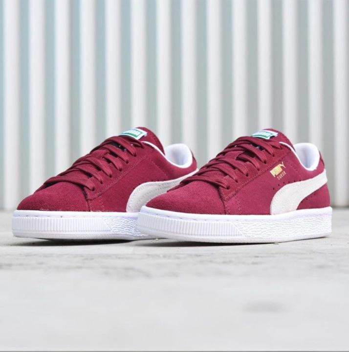 https://hoodshop.eu/wp-content/uploads/2018/06/LV-sneakers-apavi-hoodshop-real-puma-suede-classic-team-regal-hoodshop.jpg