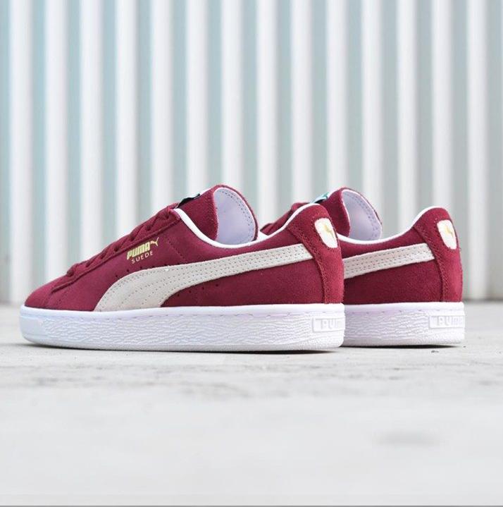 https://hoodshop.eu/wp-content/uploads/2018/06/LV-sneakers-hoodshop-real-puma-suede-classic-team-regal-hoodshop.jpg