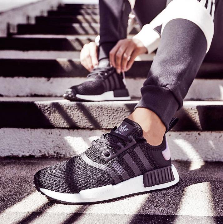 https://hoodshop.eu/wp-content/uploads/2018/09/nmd-R1-HOODSHOPONLINE-adidas-B37649-nmd-r1-sneakers.jpg