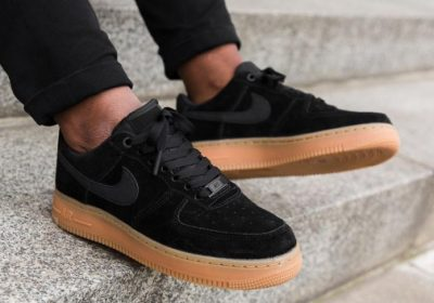 nike-air-force-1-07-se-black-gum-1-696x530