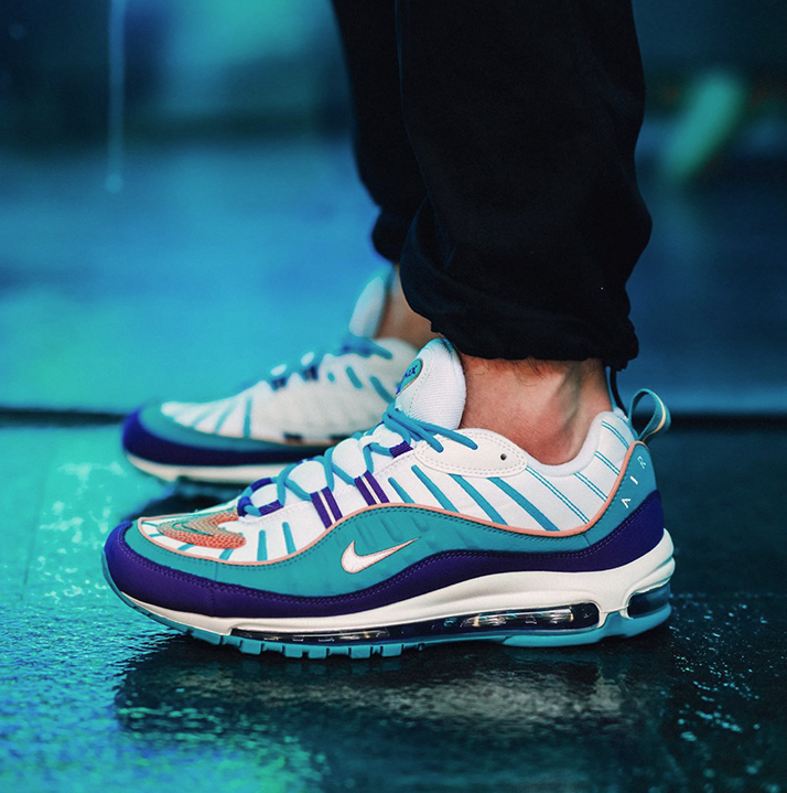 https://hoodshop.eu/wp-content/uploads/2019/05/hoodshop-nike-air-max-98-court-purple-terra-spirit-teal-640744-500-hee-apavil.jpg