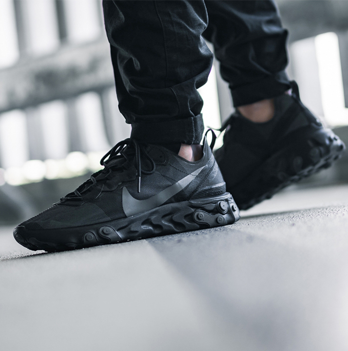 https://hoodshop.eu/wp-content/uploads/2019/08/hoodshop-nike-react-element-55-bq6166-008-apavi-limiteti.-sneakersjpg.jpg