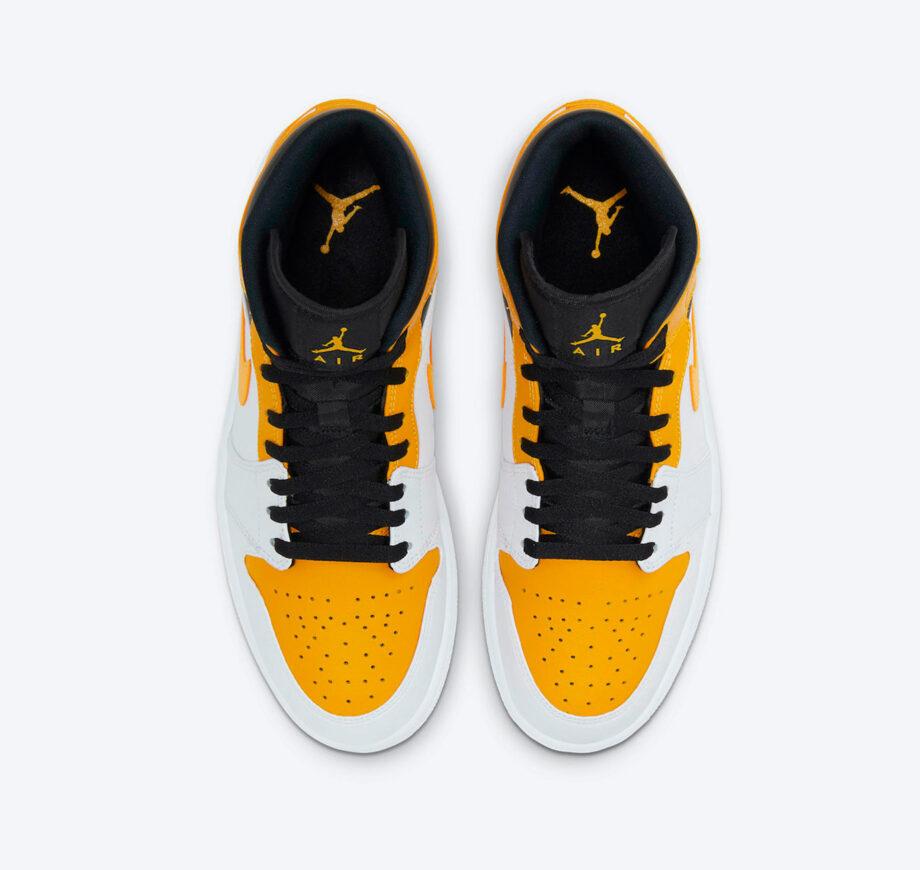 https://hoodshop.eu/wp-content/uploads/2021/04/web3-hoodshop-air-jordan-Air-Jordan-1-Mid-University-Gold-White-Black-Shoes-554724-170.jpg